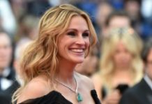 """AFP / Alberto Pizzoli US actress Julia Roberts arrives for the screening of the film """"Money Monster"""" at the 69th Cannes film festival on May 12, 2016"""