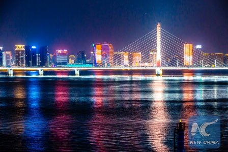 Photo taken on Aug. 27, 2016 shows the Xixing Bridge across the Qiantang River in Hangzhou City, capital of east China's Zhejiang Province. The 11th G20 summit will be held from Sept. 4 to 5 in Hangzhou. (Xinhua/Zhang Cheng)