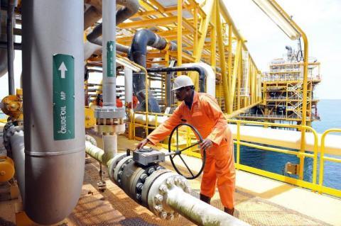 Petroleum hedging