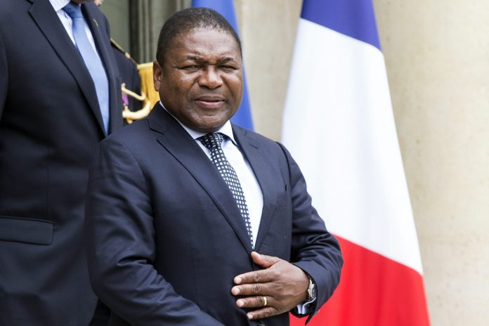 Mozambican President Nyusi in France