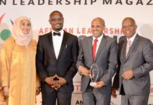 ethiopian group ceo receiving the award 3