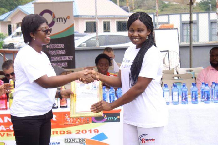 Beatrice Laryea receives her award