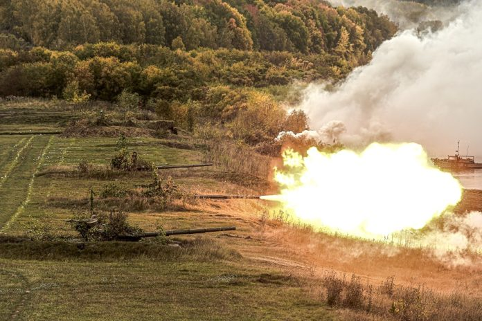 Russian military vehicle fires during the Center-2019 military exercise in Novosibirsk region, Russia, on Sept. 19, 2019. Tsentr-2019 (Center-2019) military exercises involving eight countries began on Monday in Russia, Kazakhstan and Tajikistan, the Russian Defense Ministry said in a statement on Tuesday. (Xinhua/Evgeny Sinitsyn)