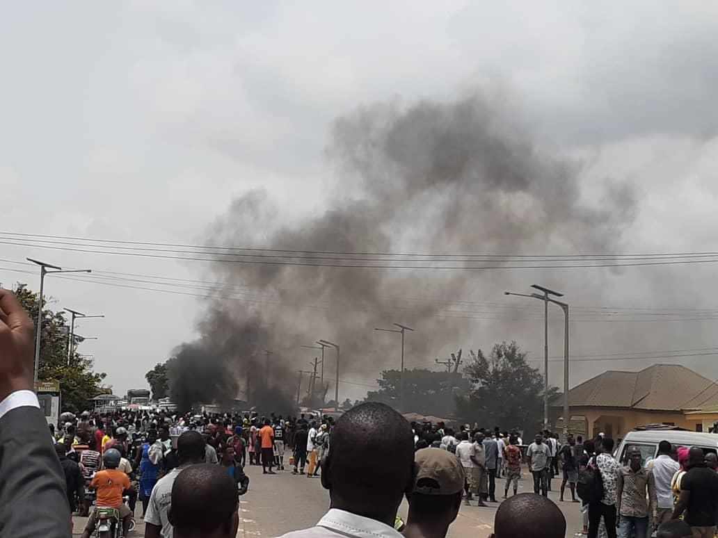 Sogakope youth block road, attack police station over murder of Assemblyman