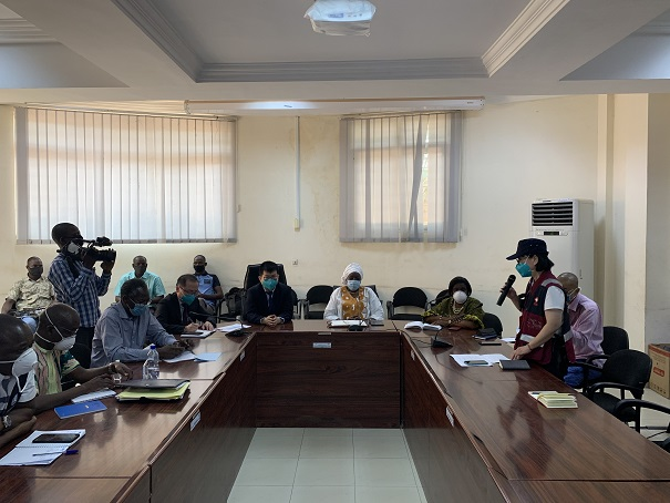On April 17, Chinese medical experts assisting Burkina Faso attend a meeting with the representatives of a national commission for epidemic prevention and control of the country. (Photo courtesy of the Chinese Embassy in Burkina Faso)