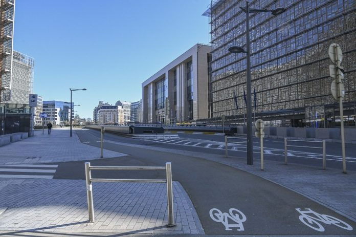 The streets are seen near the European Union headquarters in Brussels, Belgium, March 24, 2020. The cases of COVID-19 confirmed in Europe exceeded 200,000 as of Tuesday evening. The hardest hit countries remained to be Italy, Spain, Germany and France, with over 150,000 cases in combination. (Photo by Riccardo Pareggiani/Xinhua)