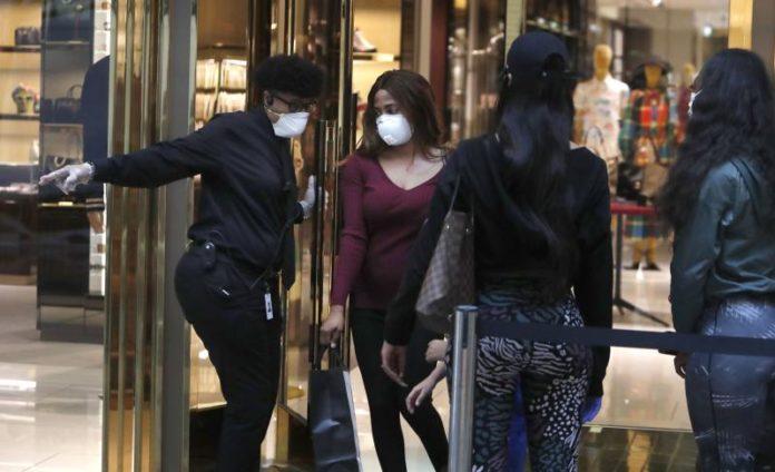 Dallas Shoppers Amid Covid Pandemic