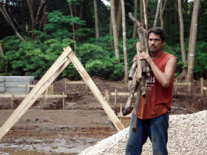 Nicaraguan Migrants In Costa Rica Working In The Construction Industry