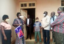 Non State Actors Donate Nose Masks To Groups In Sunyani