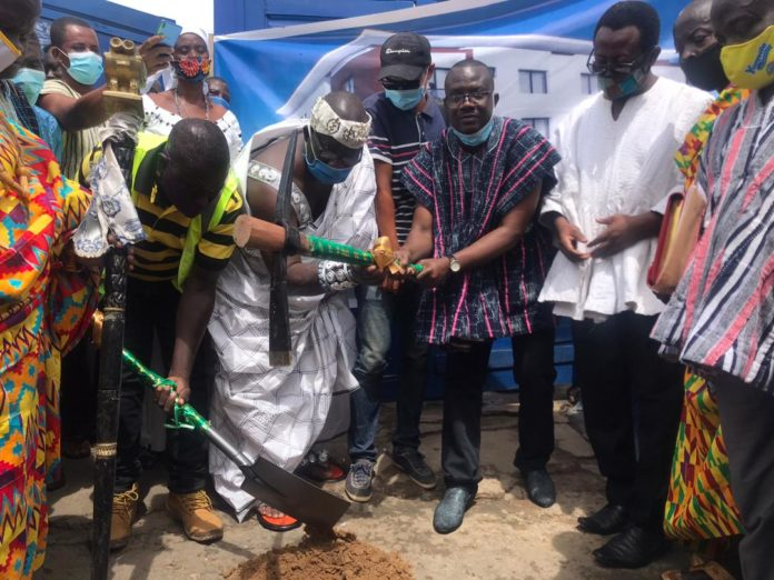 Pix Daniel Nii Arde Tagoe Flanked By Other Dignitaries Cutting Sod For The Construction