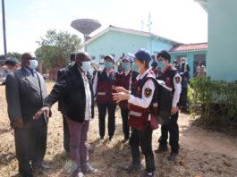 Members of a Chinese medical team visit Mvurwi Hospital in Mvurwi, Zimbabwe, May 19, 2020. (Xinhua/Zhang Yuliang)