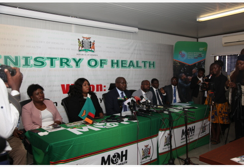 LUSAKA, March 18, 2020 (Xinhua) -- Chitalu Chilufya (C), Zambian Minister of Health addresses the press in Lusaka, capital of Zambia, March 17, 2020. The Zambian government announced Tuesday that it was closing all schools in view of the COVID-19 outbreak. Although Zambia has not recorded any COVID-19 case, the government has heightened its preparedness and surveillance against the COVID-19. (Xinhua)