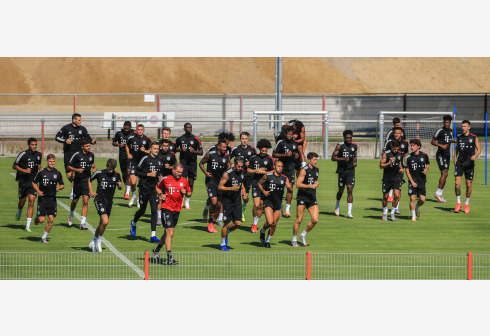 Players of Bayern Munich attend a team training session in Munich, Germany, July 28, 2020. Bayern Munich restarted team training to prepare for the upcoming UEFA Champions League round of 16 second leg match against Chelsea. (Photo by Philippe Ruiz/Xinhua)