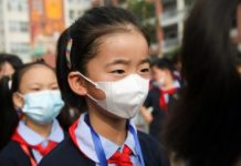 Students wear masks at school in East China's Jiangsu Province Lianyungang City on September 1. Photo by Si Wei/People's Daily Online