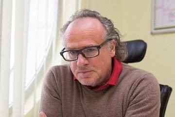 Bernhard Lippert