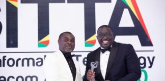 Andrew Takyi Appiah Right Receiving The Best Fintech Ceo Of The Year Award X