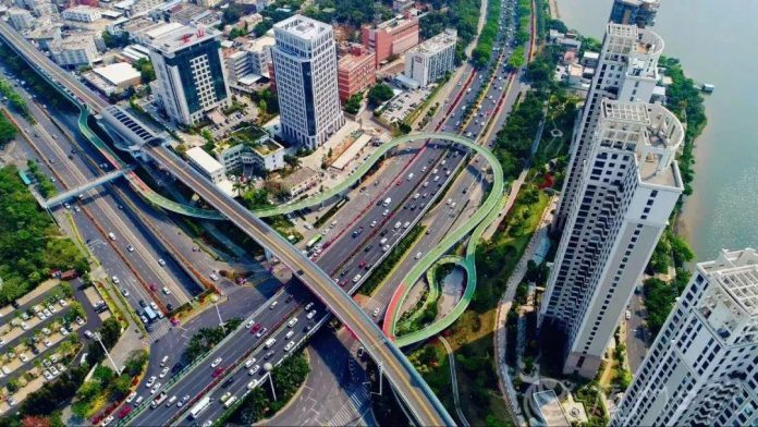 An aerial view of an elevated bicycle lane in Xiamen, east China's Fujian province. (Photo/Xiamen Daily)