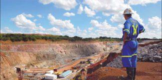 A mine supervisor overlooks Metorox's Chibuluma copper mine, near Kitwe, Zambia. [Photo/ Agencies]