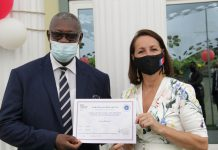 On February, 4th 2021, the Embassy of France to Ghana and the management of the École Ronsard, East Legon, Accra have proceeded to a ceremony awarding the school as the first in Ghana to obtain the French LabelFrancÉducation, rewarding the bilingual programs in schools from the whole world.