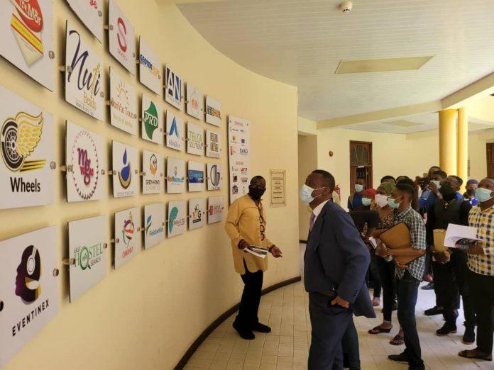 W/R Minister advises students