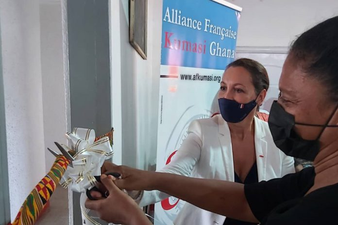 French Ambassador to Ghana Her Excellency Anne Sophie Ave commissions Alliance Francaise Kumasi_