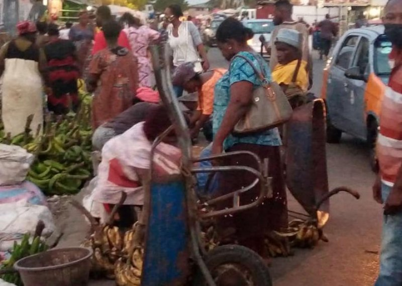 Minister asks hawkers to move back into the markets