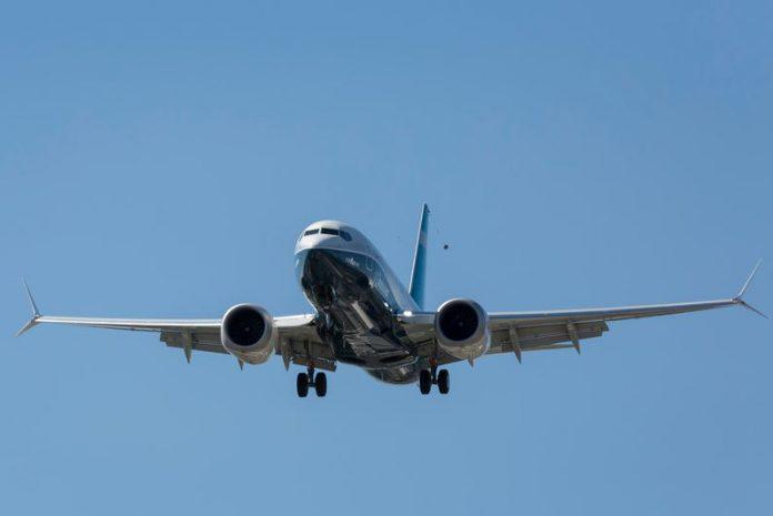 FILED - Eine Boeing 737 MAX 7 landet in Rahmen eines Testflugs in Seattle auf dem Boeing-Feld. Der Flug, wird von einem FAA-Piloten (Federal Aviation Administration, US-Bundesluftfahrtbehörde) durchgeführt und ist nötig geworden, nach zwei tödlichen Abstürzen im Jahr 2019. Photo: Seattle Aviation Images/ZUMA Wire/dpa