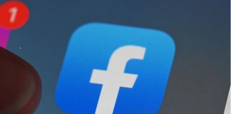 FILED - A massive data leak of email addresses and phone numbers from Facebook will make it easier for email scammers to pretend to be someone you know, internet security experts fear. Photo: Uli Deck/dpa