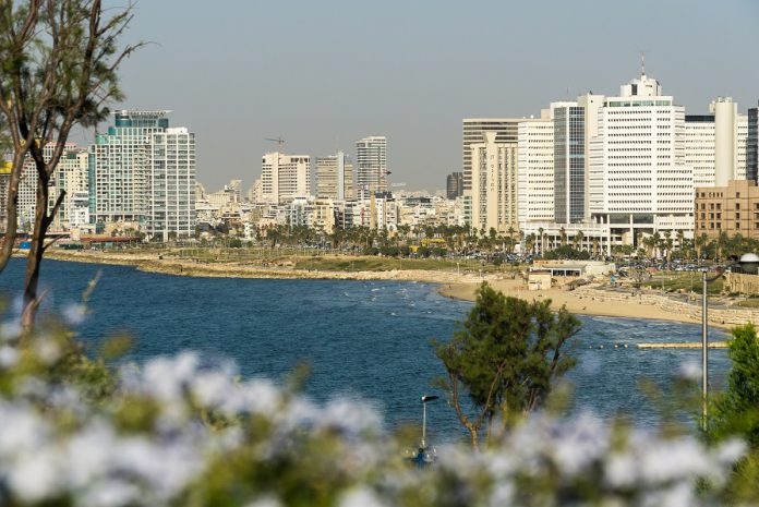 FILED - Israel wants to allow tourists to enter the country again from 23 May - but only with proof of vaccination. Photo: Philipp Laage/dpa