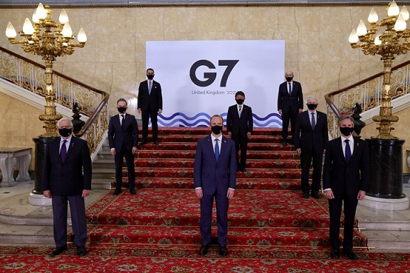 Representatives pose for a group photo during the meeting of the Group of Seven (G7) foreign and development ministers at Lancaster House in London, Britain, on May 4, 2021. (Andrew Parsons/No 10 Downing Street/Handout via Xinhua)