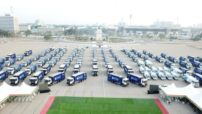 Zoomlion unveils new trucks