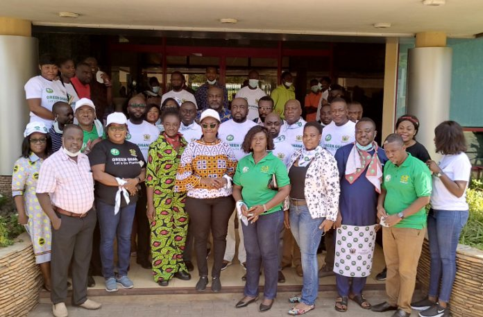 Minister of Communications and Digitalization, Ursula Owusu-Ekuful in a group photograph with staff of the Ministry and it's agencies.