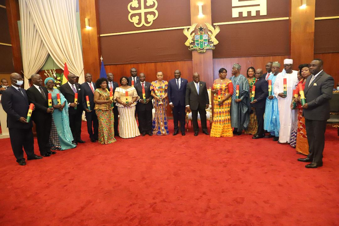 Ghanaian President presents credentials to 21 envoys