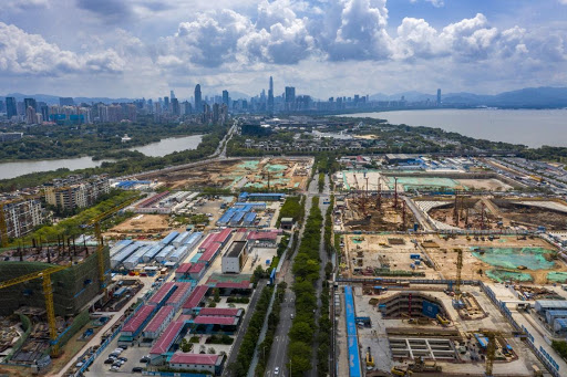 A super headquarter base is being constructed in Hongshu Bay, Shenzhen, south China's Guangdong province, May 13, 2021. (Photo by Wang Meiyan/People's Daily Online)