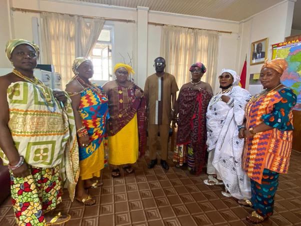 Mr Ebenezer Kojo Kum in a group picture with the executives of the Royal Queens and Dignitaries