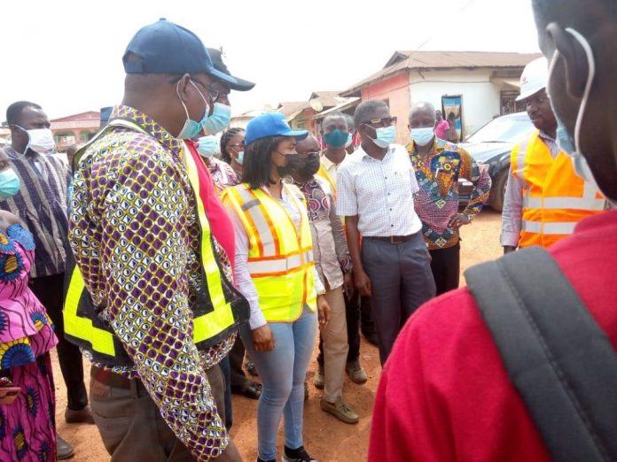 Social Minister Tour Roads