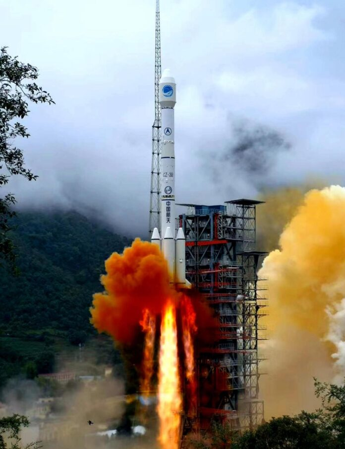 A carrier rocket carrying the last satellite of the BeiDou Navigation Satellite System (BDS-3) blasts off from the Xichang Satellite Launch Center in southwest China's Sichuan Province at 9:43 am, June 23, 2020. (Photo by Li Jieyi/People's Daily Online)